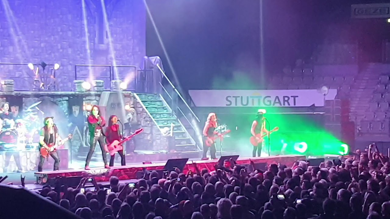 Alice Cooper . Live in Stuttgart 18.09.2019 - Bed of Nails