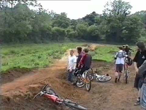 KIS - 1999 A usual sunday of dirt jumping and track riding