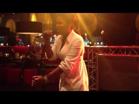 IAMM: JENNIFER COOKE PERFORMING LIVE AT HOLLAND CASINO