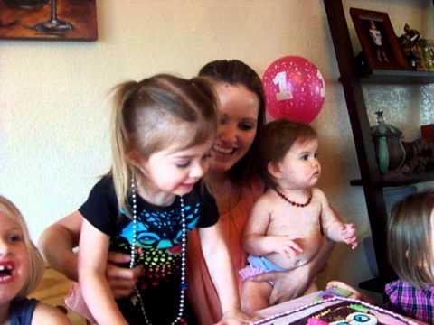 Baby's 1st Birthday - Singing Happy Birthday - Londyn