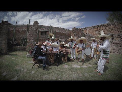 DOS BOTELLAS DE MEZCAL - LOS COLONCHOS (DEL RANCHO PAL RANCHO)