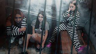 ПОБЕГ ИЗ ТЮРЬМЫ! Девочки оказались взаперти за ограбление банка! Как теперь выбраться?