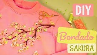 Moletom Sakura – Bordado de Flor de Cerejeira 3D com Paetês e Muranos