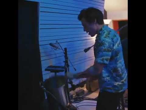 "Harry Styles Singing ""Carolina"" In The Studio"