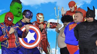 Avengers VS Justice League