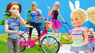 Familia de Barbie. Muñecas en español. Vídeos para niñas.