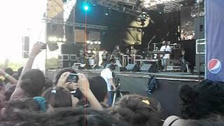Zona Ganjah - Luces de la Ciudad (Cosquin Rock 2012)