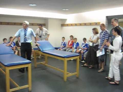 Phòng thay đồ, ghế massage tại câu lạc bộ Chelsea FC - Changing room