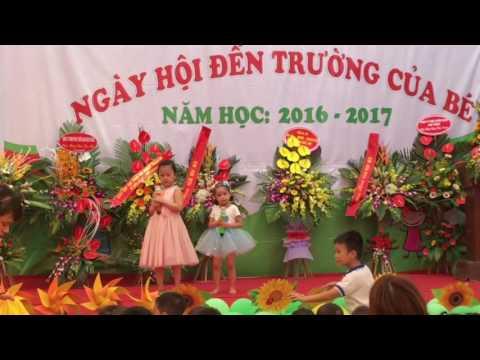 Minh Châu - Tiết mục song ca với đàn chị