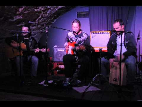 Sultans Of Strings 03122015 Stage 04 Nice