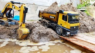 Driving truck +Trucks for kids, Backhoe loader, Excavator work under the river A336D