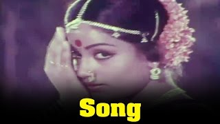 Ippadithan Irukkavenum Pombalay Movie : Thangavuru Song