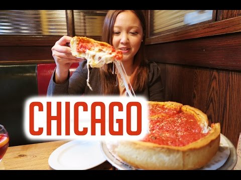 CHICAGO TRAVEL VLOG: A Day in Chicago (Architecture Tour, Shopping, Giordano's Pizza)