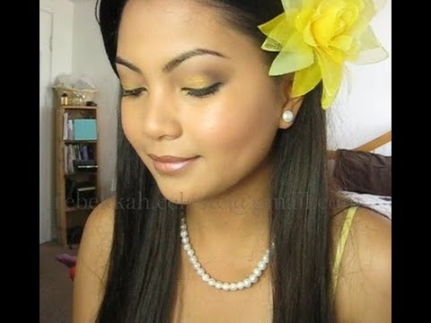 Eye makeup with yellow dress