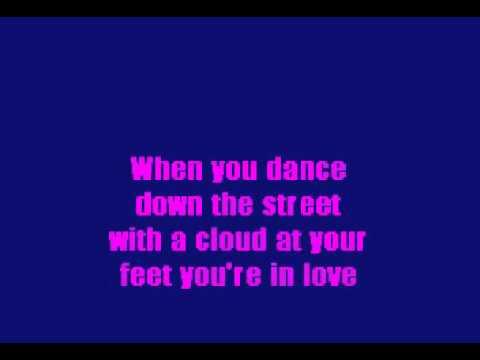 09 - Thats Amore - Karaoke