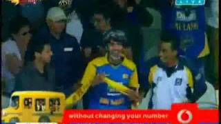 Mathews helps Chandimal to get his 100 at Lord