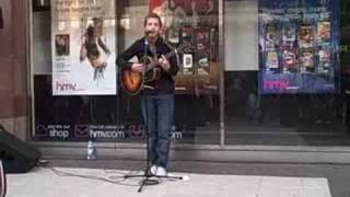James Morrison busking in Birmingham city centre (Wishing Well)