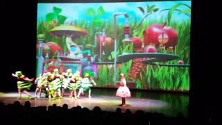 Волшебная Гусеница. Мюзикл Алиса в стране чудес. Magic caterpillar. Musical Alice in Wonderland
