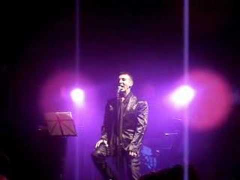 marc-almond-stardom-road-live-in-manchester-me1ancho1yrose