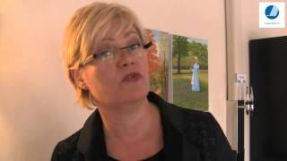 Kristin Halvorsen vill göra välfärdsutbildningarna mer attraktiva