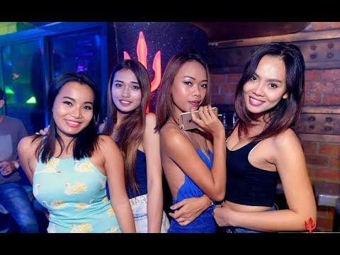 Hot Girls Walking Street Pattaya Nightlife 2020 Freelancer