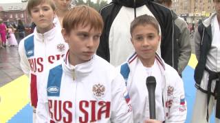 2015 09 09 - Шествие на улице Ленина (Лобня)