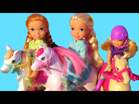 Horse Feeding & Washing ! Elsa & Anna toddlers- Muddy horse - Farm Play - Stable - Barn - Eat