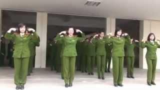 Cảnh sát múa Trống cơm - Học viện CSND - YouTube.MP4