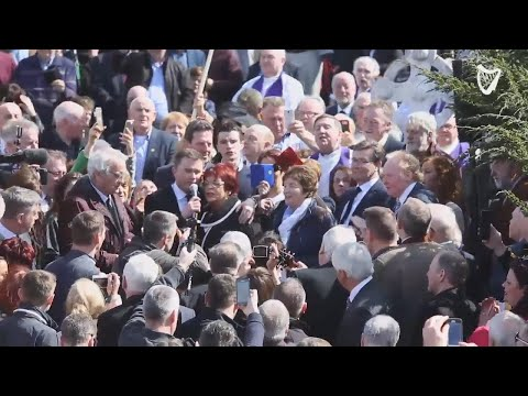 WATCH: Greats of Irish country music sing 'Four Roads to Glenamaddy' in touching graveside tribut...