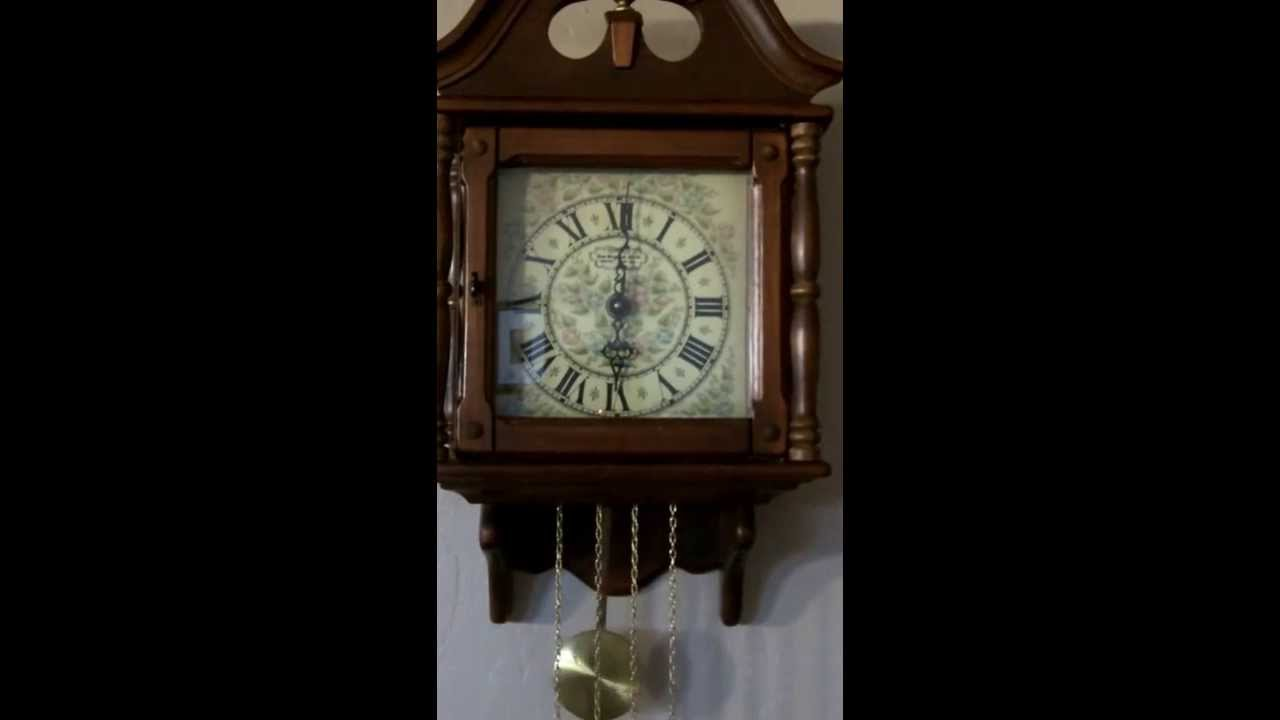Vintage New England Clock Company Colonial Revival Chime Wall Clock