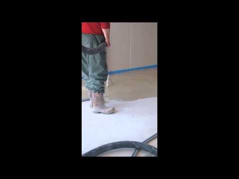 Chape liquide ciment de ravoirage dans une mob maison for Mise en chauffe chape liquide