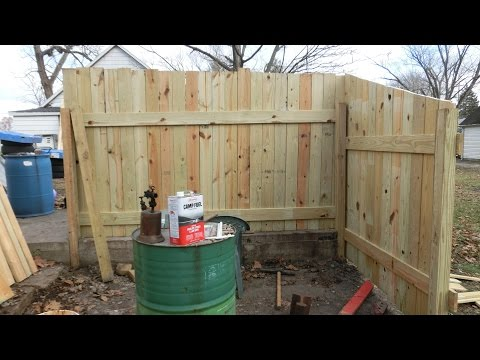 DIY: Quickly Building a Fence for the new Work-area