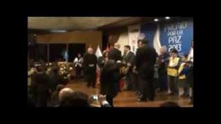 Fuerzas Armadas Reciben Premio por la Paz por su Labor en el Vraem