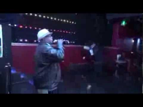 Karaokeville Roger sing Easy @ Crenshaw Live