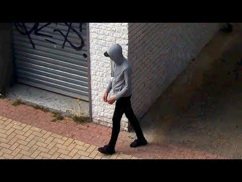 Capelle aan den IJssel: Tengere overvaller bedreigt caissière
