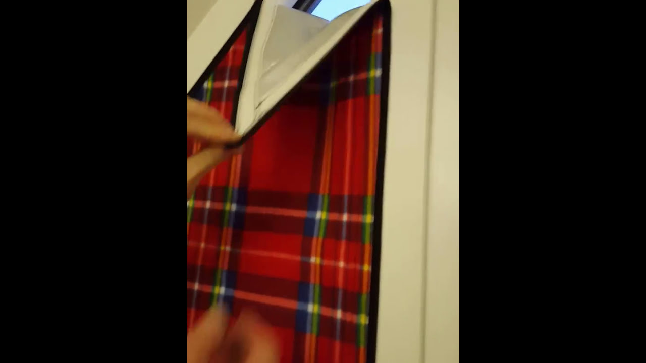 verdunkelung sonnenschutz dreieckfenster dach youtube. Black Bedroom Furniture Sets. Home Design Ideas