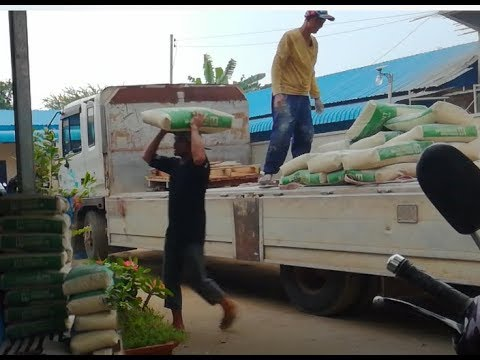 Wow!The Stronge Man in Cambodia Usesing Head to lift Two Tons of Cement (part 0008)