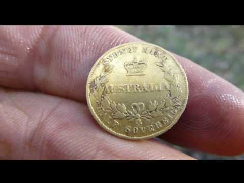 Digging up Gold Coins #1 Treasure Hunting Australia, Minelab CTX3030 Metal Detecting the Ghost towns