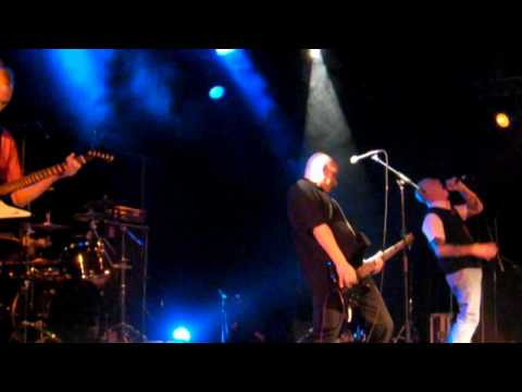 THE WARRIORS live in Vernouillet (France) STREETPUNK CHRISTMAS PARTY 2009
