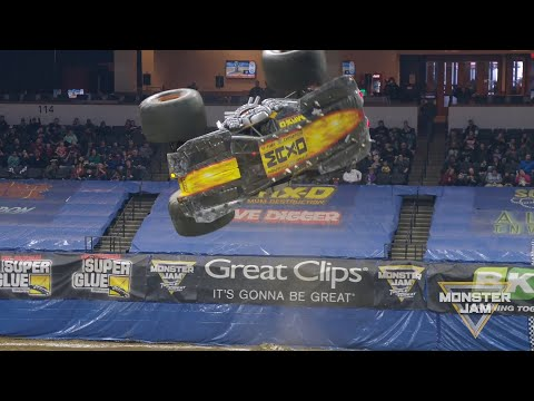 Max-D Freestyle With Backflip Corkscrew! Monster Jam 2020