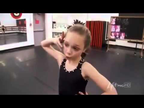 dance-moms-maddie-gets-sick-at-the-studio