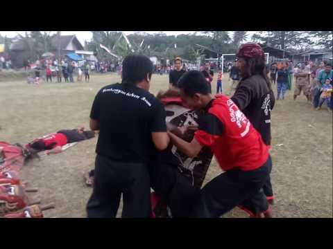 Dikejar jaran kepang karena bersiul!!/ChoododNdigar#1/Jaranan+Bantengan Sekar Arum Malang