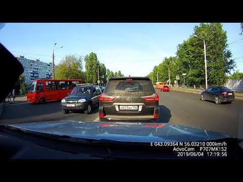 ДТП. Н.Новгород, Московское шоссе. Брюнетка за рулём.