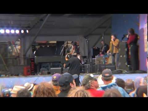 Jazzfest 5/3/13 Willie Nelson Crazy