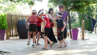 Spectacle: Les Pirates du mini club au Camping du Domaine le Vernis