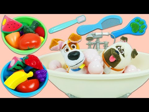 Secret Life of Pets Morning Routine Bubble Bath, Grooming, and Toy Velcro Cutting Fruit Breakfast!