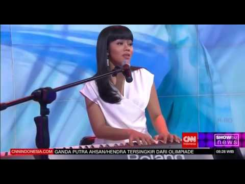 Yura Yunita - Intuisi (Live at CNN Indonesia)