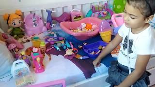 fazendo  compras , para  as baby  alive ,  com Manuela