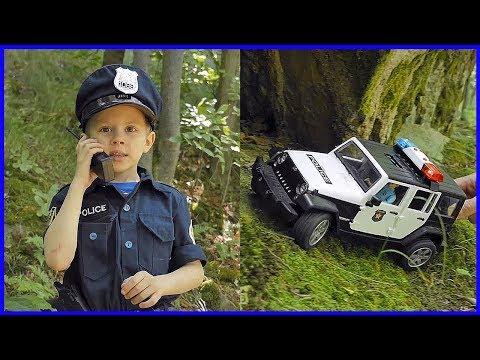 Играем с Даником в Полицию и Бандитов с машинками Bruder и Lego City