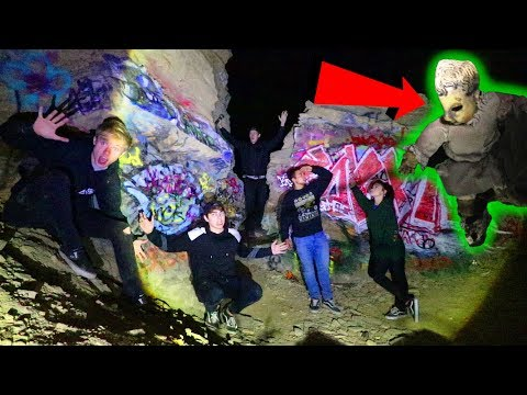 EXPLORING SUNKEN CITY | (Found Scary Doll)